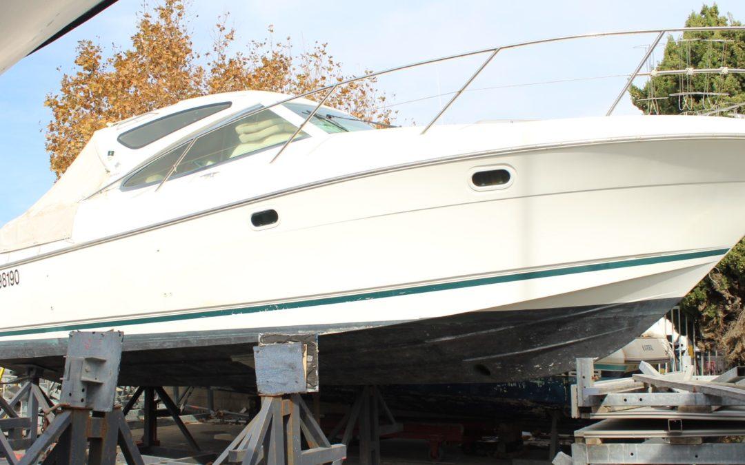 Vedette bateau Jeanneau Prestige 34 nom : Villa Mag Navy – Constructeur JEANNEAU – Année : 2004 – Long. 10m